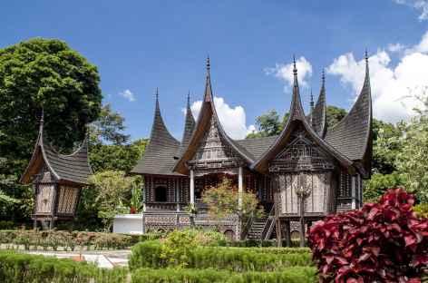 Architecture traditionnelle minangkabau, Sumatra - Indonésie -