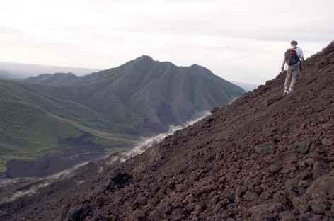 Montée au volcan Soputan 1 (1805 m), Sulawesi - Indonésie -