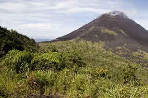 Volcan Soputan, Sulawesi - Indonésie -