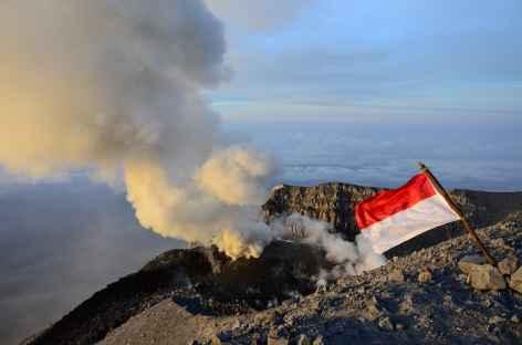 Cratère du volcan Semeru, Java - Indonésie -