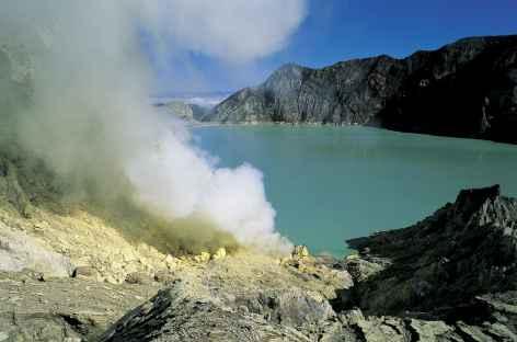 Lac de cratère du Kawah Ijen, Java - Indonésie -