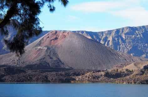 Lac Segara Anak, au volcan Rinjani, Lombok - Indonésie -