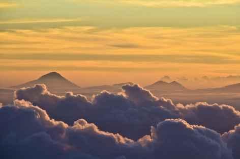 Lever de soleil depuis le volcan Agung, Bali - Indonésie -