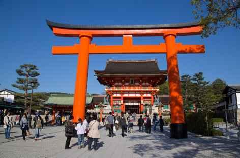 Entrée au sanctuaire shintoiste de Fushimi Inari, Kyoto - Japon -