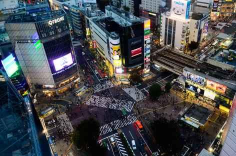Le célèbre Shibuya Crossing à Tokyo - Japon -