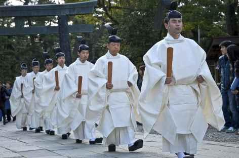 Dans le sanctuaire shintoiste d'Izumo-Taisha - Japon -