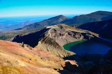 Lac de cratère d'Okama, Zao Onsen - Japon -
