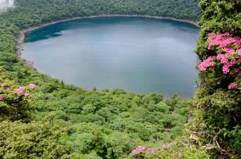 Lac de cratère d'Onami - Japon -