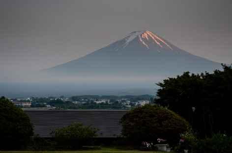 Cône parfait du volcan Fuji (3776 m) - Japon -