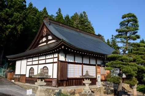L'un des temples de Higashiyama, sur les hauteurs de Takayama - Japon -