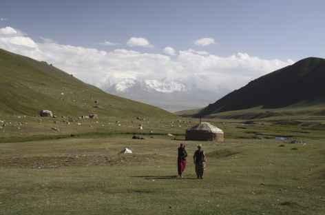 Plateau et yourte nomade - Kirghizie -