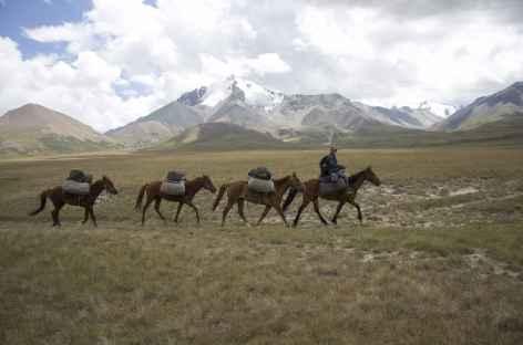 Portage de nos bagages - Kirghizie -