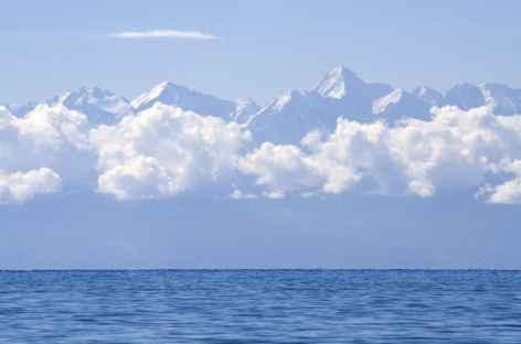 Le lac Issyk Kul, alimenté par les glaciers - Kirghizie -