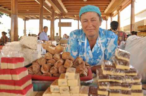 Vendeuse, Ouzbékistan -