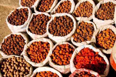 Sacs de fruits secs à Osh - Kirghizie -