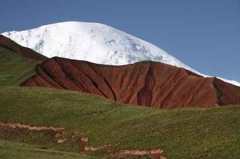 Couleurs sous le Pic Djerzinskiy - Pamir - Kirghizie -