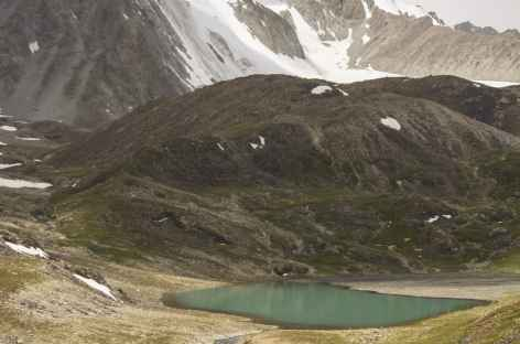 Lacs et sommets à Sary Mogol - Kirghizie -