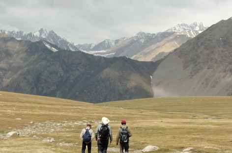 Au fond les 2 cols du lendemain - Kirghizie -