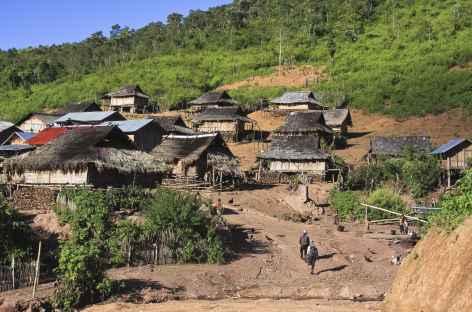 Arrivée dans le village de Ban Nam Lo  - Laos -