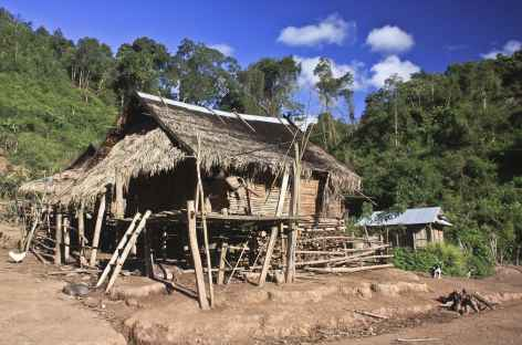 Une maison Akha traditionnelle - Laos -