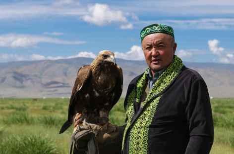 Mongol avec son aigle - Mongolie -