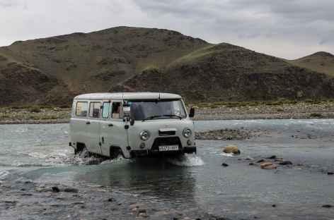 4x4 russe à gué - Mongolie -
