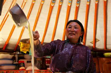Sous la yourte, Mongolie -