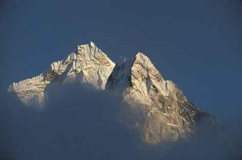 Soleil Couchant sur le Thamserku - Nepal -