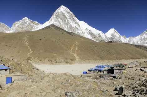 Gorak Shep et le Pumori - Népal -