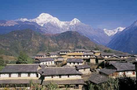 Village de Gandrung face aux Annapurna - Népal -