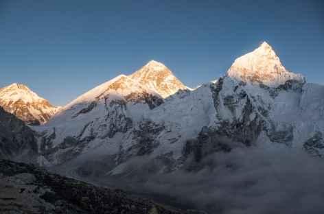 Coucher de soleil sur Everest et Nupse - Népal -