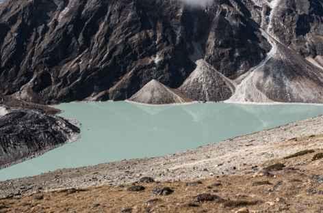 Le Chola Tsho (Lac glaciare sous le Chola) - Népal -