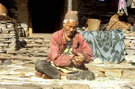 Travaux devant la maison - Népal -