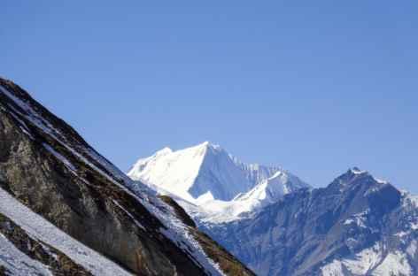 Vue vers les Dhaulagiri II (7751 m) et III - Népal -
