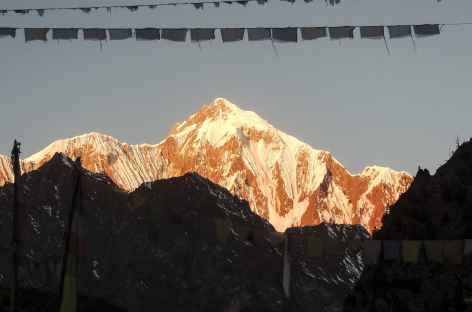 Premiers rayons sur le Lamjung Himal 6983 m- Népal -