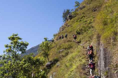 Montées et descentes se succèdent - Kangchenjunga Népal -