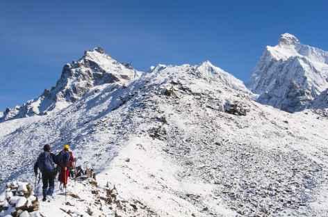 En montant au belvédère du Jannu -  Kangchenjunga Népal -