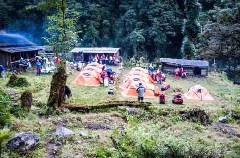 Campement près de la rivière  - Kangchenjunga Népal -