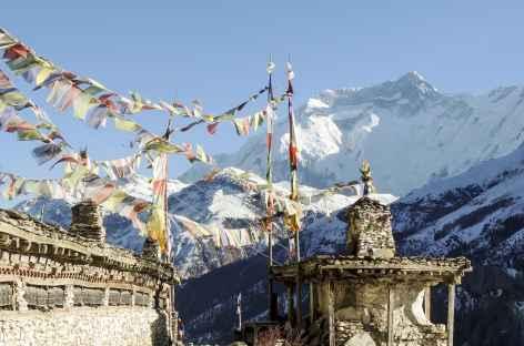 Annapurna 2 et drapeaux - Népal -