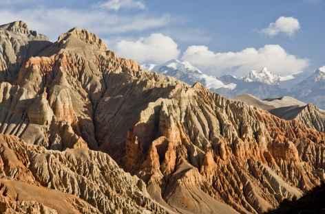 Falaise de Dakhmar à l'automne, Mustang - Népal  -