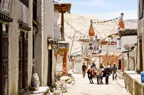 Scène de rue à Lo Manthang, Mustang - Népal -