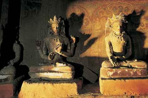 Statuettes du monastère-grotte de Chuksang-Népal -