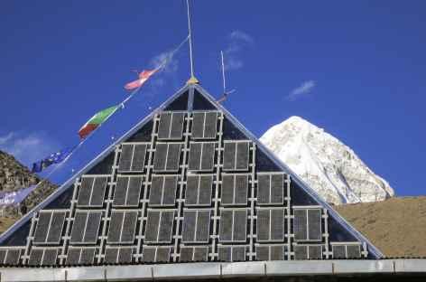 La pyramide à Lobuche, laboratoire de recherche - Népal -