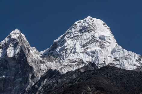 Un des nombreux pics du Khumbu - Népal -
