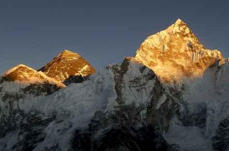 Soleil couchant sur l'Everest et le Nuptse - Népal -
