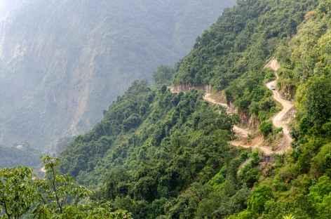 Route menant à Barpak -