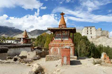 Chorten à l'entrée de Tsarang-Mustang-Népal -