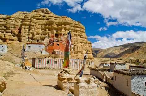 monastère troglodyte de Nyiphu Mustang  -