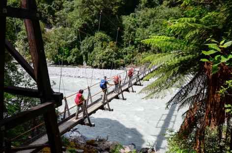 Pont suspendu menant au mirador de Roberts Point, Franz Josef - Nouvelle Zélande -