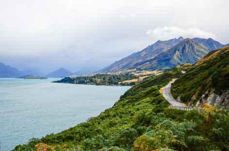 Le long du lac Wakatipu - Nouvelle Zélande -